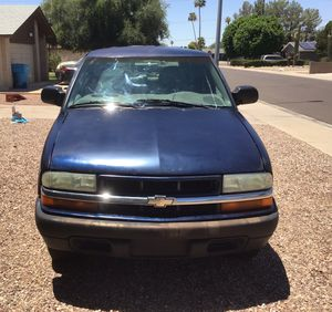 04 CHEVY BLAZER 4 DOOR ABSOLUTELY NO ISSUES BRING A MECHANIC for Sale in Phoenix, AZ