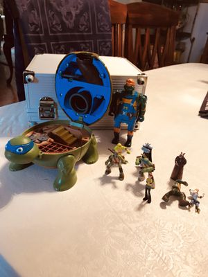 TMNT Items, 1994 Mighty Mutations Construction, and 2.5' inch figures with a secret station? I don't know if they belong together or not. for Sale in PA, US