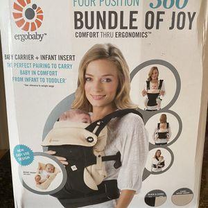 Ergobaby 360 Baby Carrier for Sale in Holmdel, NJ