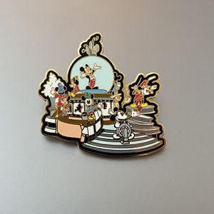 "Disney Pin #9178 - ""WDW Snow Globe Parade"" (Mickey) for Sale in Elburn, IL"