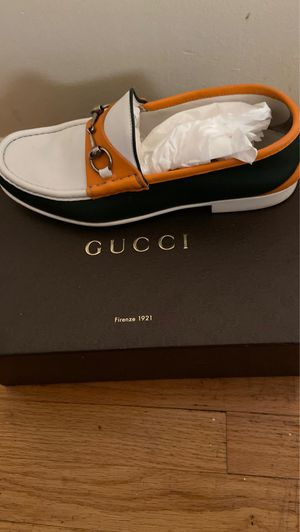 Gucci size 10 for Sale in Jersey City, NJ
