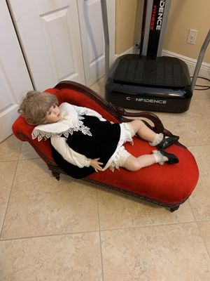 Porcelain doll antique couch for Sale in Miami, FL