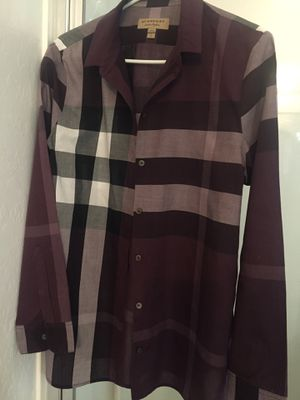 Authentic Burberry Women's Size L for Sale in Tolleson, AZ