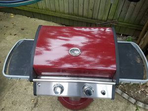 Parria de gas grill for Sale in Arlington, VA