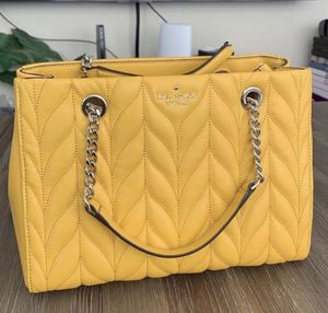 Kate Spade Quilted Handbag for Sale in Sugar Hill, GA