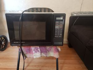 MICROWAVE SHARP for Sale in Los Angeles, CA