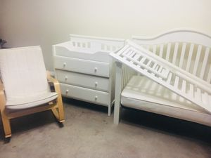 Crib / Toddler bed , Changing Table / Dresser and Rocking Chair for Sale in Euless, TX