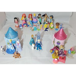 Disney Princess mini castle playsets and mini Disney characters bundle for Sale in Gulfport, MS