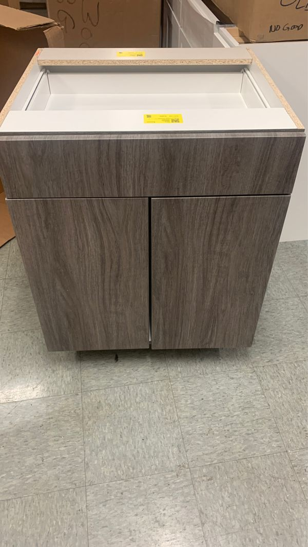 Base cabinets 27 wide with draw