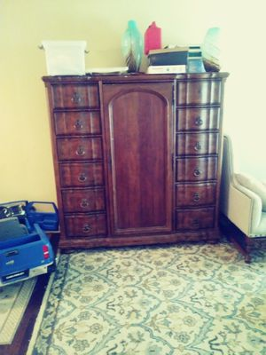 Antique armoire dresser. for Sale in Stone Mountain, GA