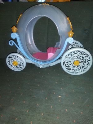 Barbie Cinderella Coach (missing strap) for Sale in Fort Worth, TX