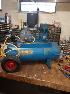 Emglo 17 gal commercial electric compressor for Sale in Monroeville, PA