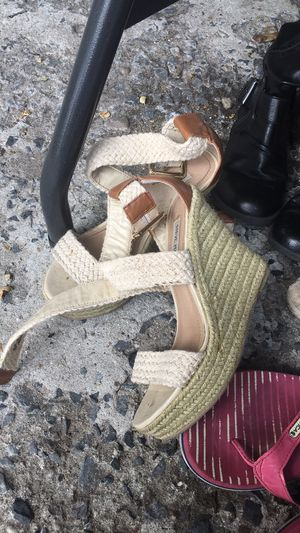 Sandals/high heels/ humidificador for Sale in Freeport, NY