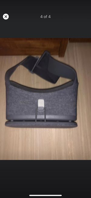 Sold Google Daydream View VR Headset 2nd Generation for Sale in Hamden, CT