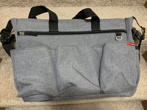 Skip Hop Diaper Bag Tote for Double Strollers with Matching Changing Pad, Duo Signature, Heather Grey for Sale in Cranberry Township, PA