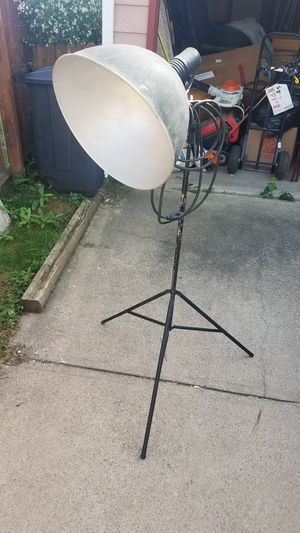 Vintage photgrapher's lamp for Sale in Brooklyn, OH