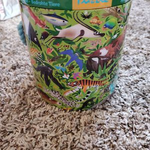 Kids 63 Piece Endangered Animal Puzzle Excellent Condition for Sale in Long Beach, CA