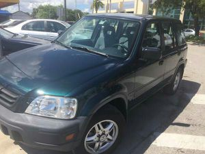 1998 HONDA CRV...CLEAN TITLE..COLD AC.. for Sale in Miami, FL