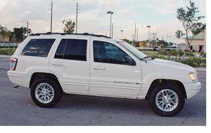 Runs Good 2004 Jeep Grand Cherokee AWDWheels for Sale in Tampa, FL
