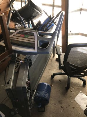 Treadmill for Runnning/Walking Machine AS IS CONDITION for Sale in Springfield, VA