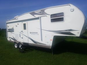 2008 Rockwood Forest river camper trailer for Sale in Plainfield, IL