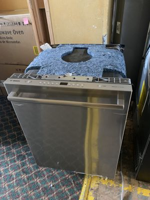 """Bosch dishwasher 24"""" ss for Sale in Englewood, NJ"""