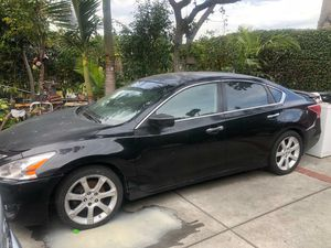 Nissan altima 2013 for Sale in Los Angeles, CA