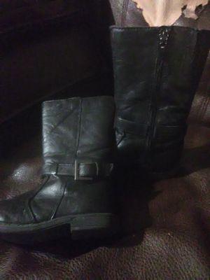 Size 9 little girl boots for Sale in Dublin, GA