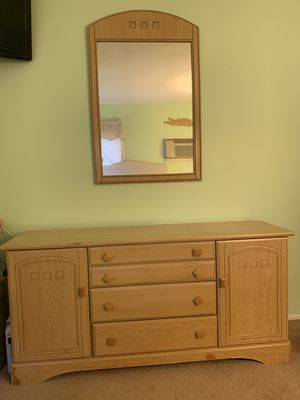Bedroom set for Sale in North Bellmore, NY