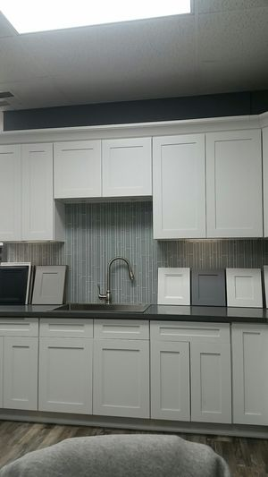 Kitchen cabinets and countertop for Sale in Long Beach, CA