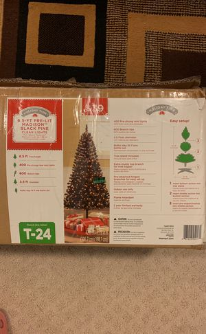 Christmas Artificial Tree, 6.5 ft for Sale in Lake Ridge, VA