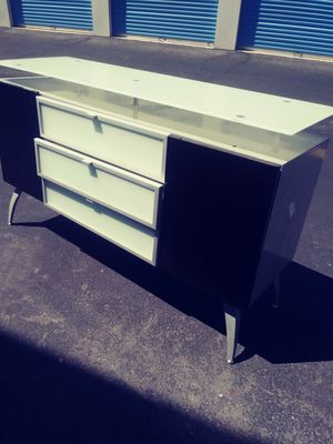 Tv stand 2x4 for Sale in Las Vegas, NV