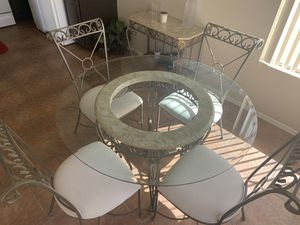 Kitchen table and 4 Chairs for Sale in Chandler, AZ