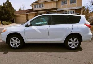 2006 Toyota RAV4 Limited 6-cylinder for Sale in Des Moines, IA