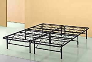 California king metal bed frame for Sale in Spanaway, WA