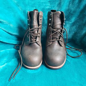 Woman's steel toe boots for Sale in West Covina, CA