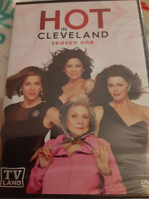 HOT IN CLEVELAND COMPLETE SEASON 1 (DVD) NEW for Sale in Lewisville, TX