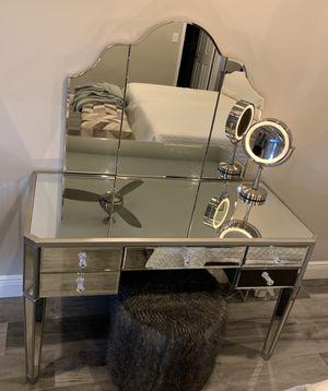 Pottery Barn Teen Zoe Desk + Vanity Hutch for Sale in Fort Lauderdale, FL