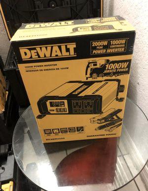 DeWalt 1000-Watt Power Inverter Model DXAEPI1000 for Sale in Coral Gables, FL