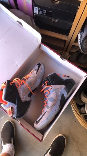 Nike Lebrons xiii for Sale in Nipomo, CA