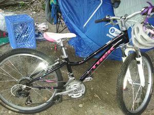 Girls bike for Sale in Seattle, WA