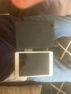 iPad and OtterBox Case for Sale in Houston, TX