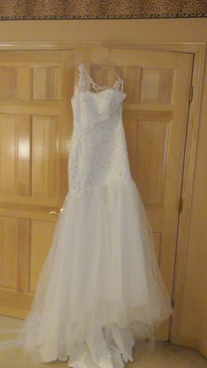 Wedding Dress with 5ft veil for Sale in West Chicago, IL