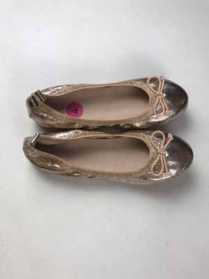 New Reaction by Kennethcole Flats for girls, size 4 New without box for Sale in Buckhannon, WV