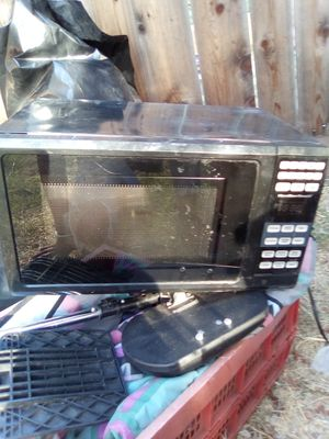 Microwave. Clean. Works. for Sale in Tracy, CA