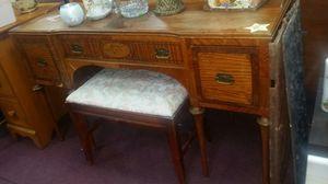 Vintage 3 Drawer Desk for Sale in Manassas, VA