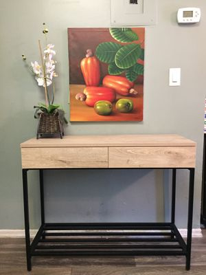 Beautiful Console Table/Entryway Table for Sale in Garden Grove, CA