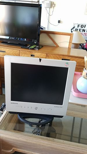 SAMSUNG COMPUTER MONITOR for Sale in New Albany, OH