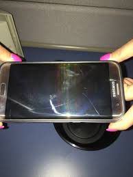 Samsung Galaxy s7 edge lightly cracked on the front screen. Works great and crack does not cause any issues with phones functioning for Sale in Orem, UT