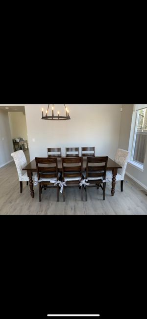 Dining table and chairs for Sale in Maple Valley, WA